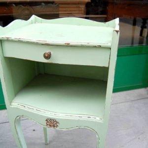 comodino in stile luigi xv h 70 cm laccato verde 01 4