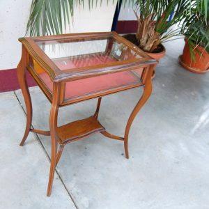 tavolino bacheca in mogano con piano apribile in vetro seconda meta 800 fronte 61 cm 01 5