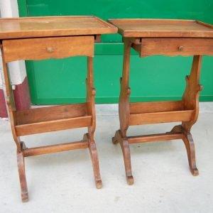 coppia di tavolini in noce con cassettino primo 900 h 63 cm 01 13