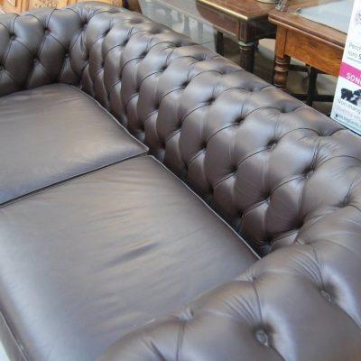 divano chesterfield in pelle capitonne fronte 185 cm prima meta del 900 01 9