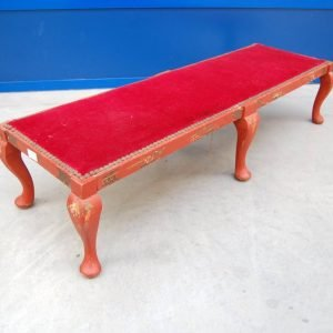 panchetta napoleone iii seconda meta 800 lato 105 cm laccata rossa rivestimento in velluto 01 1