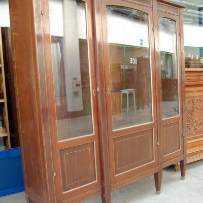 vetrina a 3 ante in mogano napoleone iii con filetti di ottone fronte 144 cm 01 12