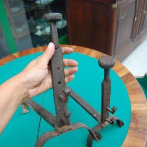 coppia di alari in ferro battuto inizio 800 provenzali lunghi 40 cm 01 7
