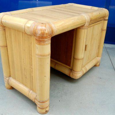 modernariato scrivania in bambu anni 60 fronte 120 cm 01 12