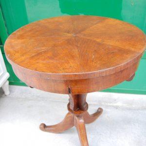tavolino impero in noce primo 800 diametro 57 cm h 69 cm cassettino 01 10