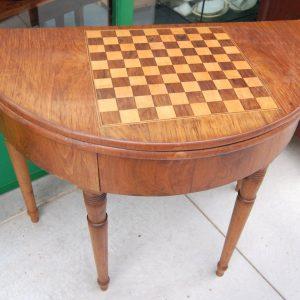 tavolo da gioco a mezza luna 800 noce italia diametro 99 cm con scacchiera 01 12