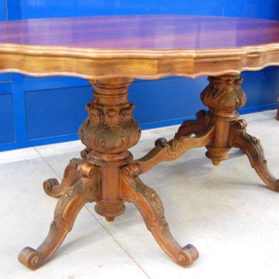 tavolo noce barocchetto piano sagomato gamba scolpita lato 183 cm 01 7