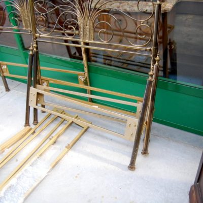 modernariato coppia di letti in ottone a coda di pavone 01 14
