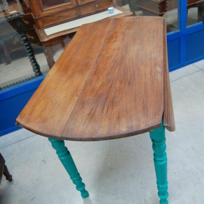 tavolo ad alette 800 con gambe laccate lato 114 cm 01 12