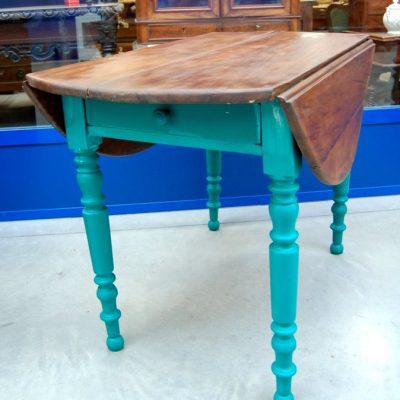 tavolo ad alette 800 con gambe laccate lato 114 cm 01 13