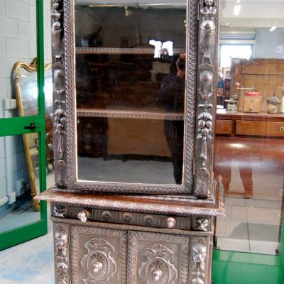 vetrina neorinascimentale 800 scolpita con cariatidi fronte 94 cm 01 14
