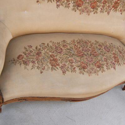 divano luigi filippo a 3 posti in noce 800 stoffa ricamata 01 5