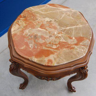 piccolo tavolino da salotto barocchetto piano in marmo 900 01 8