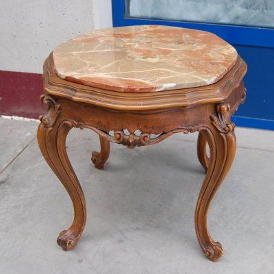 piccolo tavolino da salotto barocchetto piano in marmo 900 01 9
