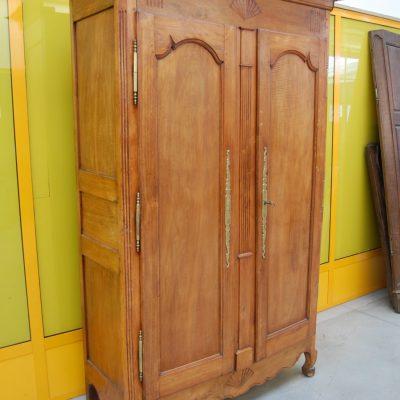 armadio in ciliegio 800 stile transizione fronte 130 cm conchiglia 01 2