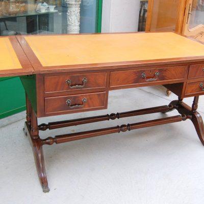 scrivania inglese in mogano con alette inizio 900 lato 133 cm 01 11