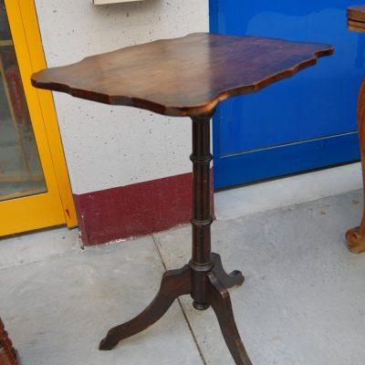 tavolino da fumo liberty inciso con motivi floreali fine 800 01 1