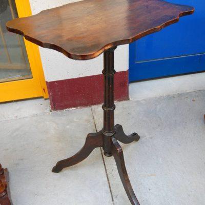 tavolino da fumo liberty inciso con motivi floreali fine 800 01 2