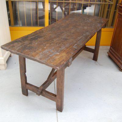 tavolo fratino a capretta noce fine 700 lato 161 cm 01