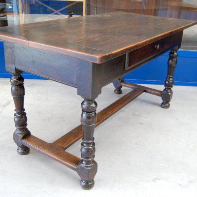 tavolo tipo fratino gambe a rocchetto noce 800 lato 145 cm 01 11