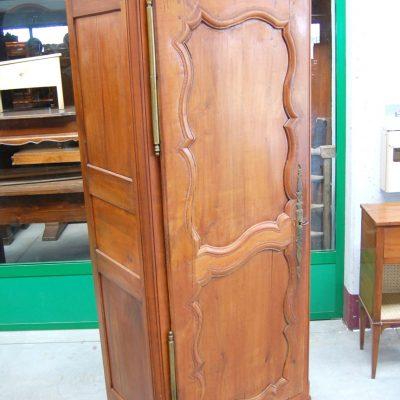 armadio stipo a un anta in ciliegio luigi xv normandia 01 17