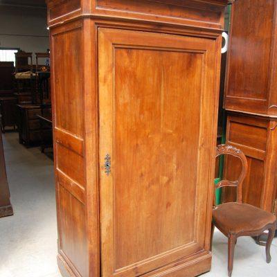 armadio stipo ad un anta in ciliegio fronte 102 cm 800 01 14