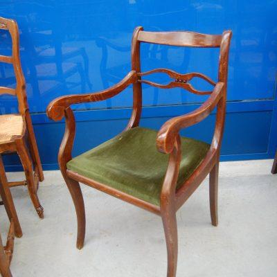 capotavola poltrona inglese in faggio massello seduta imbottita 01 1