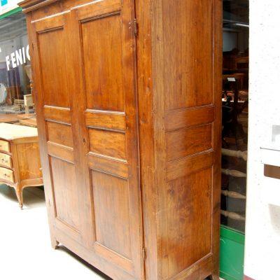 armadio rustico in pioppo fine 700 fronte 136 5 cm 01 15