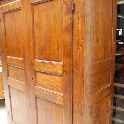 armadio rustico in pioppo fine 700 fronte 136 5 cm 01 6