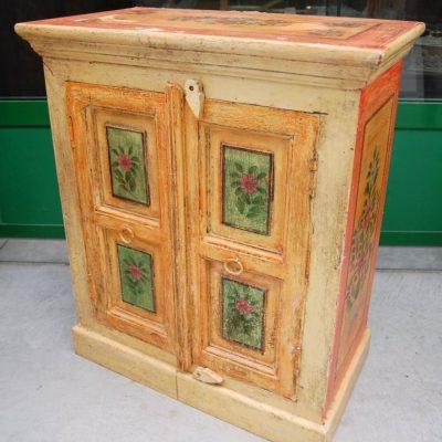 piccolo mobile laccato etnico dipinto h 65 cm 01 14