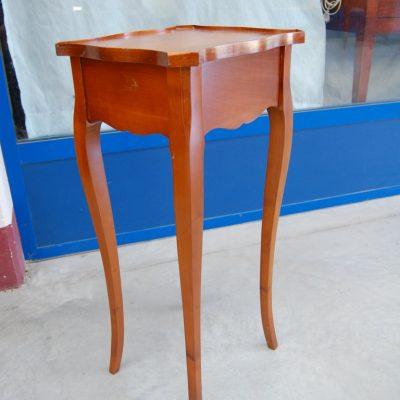 piccolo tavolino in ciliegio h 75 cm stile luigi xv 01