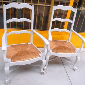 Coppia di poltrone rustiche capotavola provenzali laccate seduta in paglia 202872762151 3