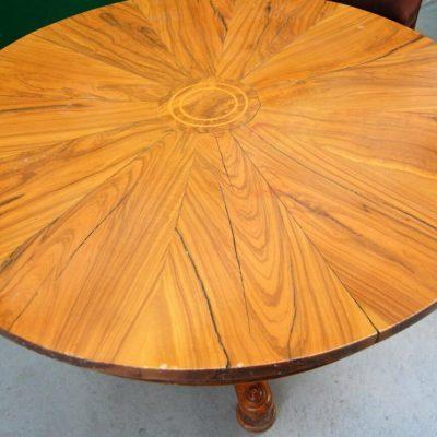 Raro tavolo rotondo in ulivo e radica di ulivo con gamba centrale diametro 12 202674487301 2
