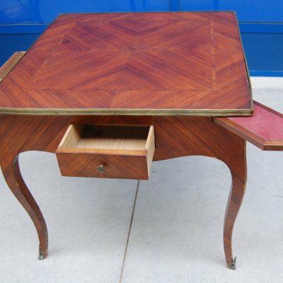 Tavolo da gioco quadrato in mogano Luigi XVI prima met 800 con 4 cassettini 202403673601 2