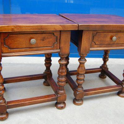 Coppia di comodini con cassettino gambe tornite pomelli in bronzo piedini a c 193387741942
