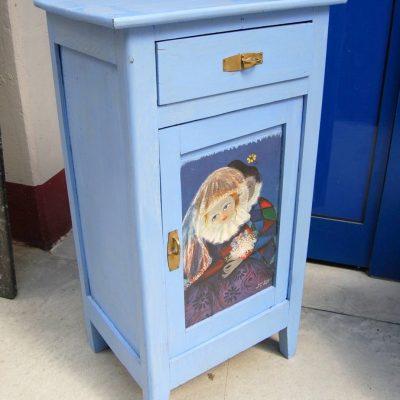 Piccolo comodino stipo laccato azzurro decorato con Arlecchino e Pulcinella 203003539772 3