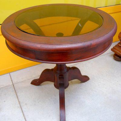 Tavolino rotondo da salotto in mogano con piano in vetro fum gamba decorata 202718889883 2