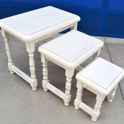 Tre tavolini ad incastro detti a gigogne con gambe tornite lato 60 cm il ma 193021833724 3