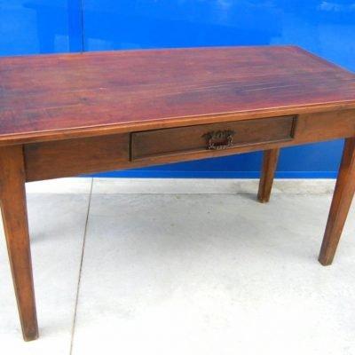 Tavolo rustico in noce in stile Luigi XVI lato 149 cm 202872988877 2