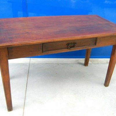 Tavolo rustico in noce in stile Luigi XVI lato 149 cm 202872988877