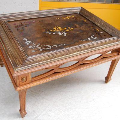 Tavolino da salotto austriaco piano in ottone decorato lato 94 cm x 51 cm 202915770469 2
